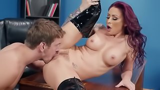 Luscious MILF in leather boots wants some rough fucking