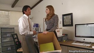 Lexi Belle & Tommy Gunn in Naughty Office