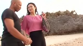 Risa Murakami gets her pussy licked and fucked at a beach