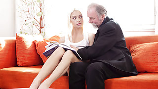 Blonde girl girl lets old gentelman kiss, lick and fuck her sexy body - OldGoesYoung