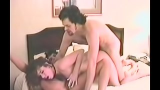 Two vintage brunette hussies make out and share a wang