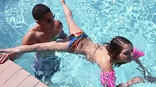 Skinny bikini in a pornstar gets out of the pool to get fucked