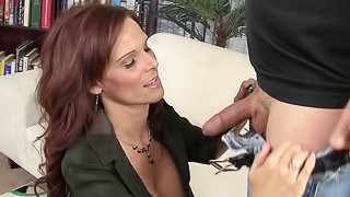 Mind-blowing MILF with a perfect booty moans during the screwing