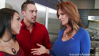 Deauxma & Gulliana Alexis & Johnny Castle in My Friends Hot Mom