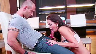 Hot as hell babe Ferrera Gomez shows off her cock-sucking skills