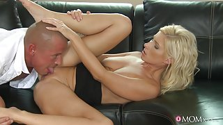 Libor & Vanessa in Feel - MomXXX