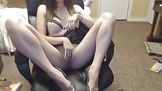 Brunette college girl Makes Herself Cum