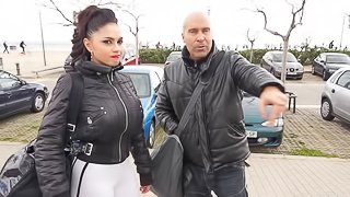 Marta La Croft has a perfect body and gets banged inside the car