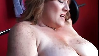 Beautiful chubby amateur MILF has some huge boobs and a fat