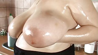 my mama shows her outlandish oiled love melons