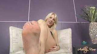 Ashley Fires foot show