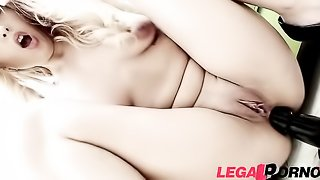 Blondie in leggings gets double-penetrated with massive black dongs