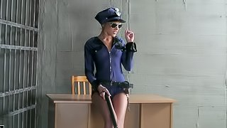 lesbian sex with prisoner and police officer