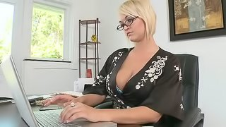Sex in the office with a precious milf Julie Castle