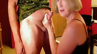 Attractive Mature Blows Cock on Cam