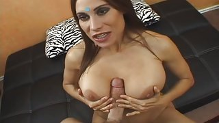 Healthy And Busty Indian Housewife @ Real Indian Housewives #02