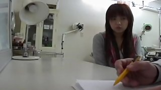 Doctor.s vibrator made this Japanese babe get an orgasm