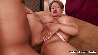 Long Island in His giant cock stretches her butt hole to the limit - Fhuta