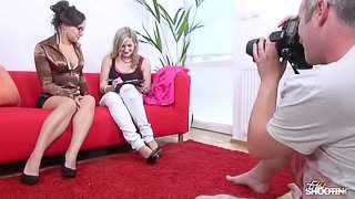 Fakeshooting Wendy Moon help busty blonde pass fake casting
