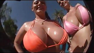 Sophie Dee& Jane Summers - FreaksBig Boobs