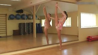 Slender ballet beauty strips in the studio and blows your mind