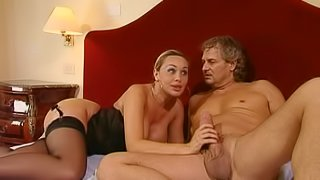 Great sex leaves Melissa D with a messy facial