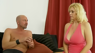 Blond female demonstrates her sexual skills and talents to friend