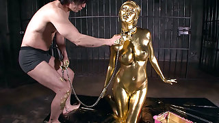 Sexy Gold Fetish - CosplayInJapan