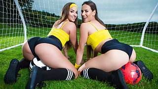 Amirah Adara & Mea Melone & Danny D in ZZ Cup: Team Booty - Brazzers