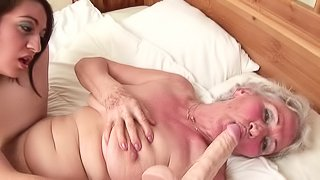 Blonde Maria juicy pussy licked seductively in mature shoot