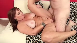 Isabelle Love sits her grannie pussy down balls deep on his stunt cock