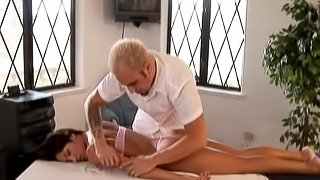 Lucky Guy Massages Then Fucks a Sexy, Curvy Babe