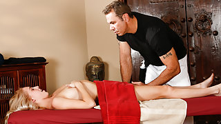 Cadence Lux & Steven St. Croix in The Pop Star Sex-Tape - TrickySpa