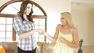 Jelena Jensen,Zoey Monroe in Mother Lovers Society #14, Scene #04