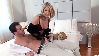 Sex and a lot of passion with a salacious milf and several fellas