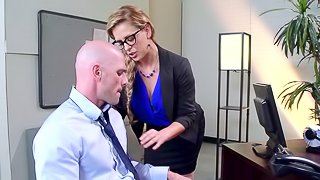 Fine ass cougar cries out loud as her tight pussy get nailed hardcore