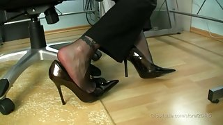 stocking footjob with spunk fountain in high heels