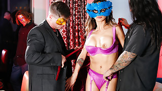 Nadia Styles & Eric Masterson & Barret Blade & Big Chief 1/4 Black in Masquerading Nympho Video