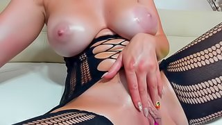 Amazing Big Tits Cleanshaven Stimulates Her Cooter