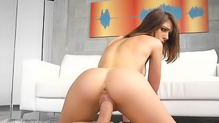 Joseline Kelly works cock like a real porn queen