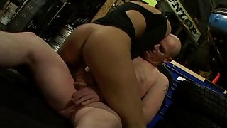 British floozy Sahara Knite acquires drilled in a garage in boots