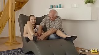 DADDY4K. Smart dad finds pretext to be left alone with son's hot GF