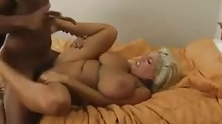 Chubby Southern Wife Takes BBC Creampie in LA