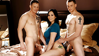 Lexy Mae & Shane Reno & Brenden Bangs in 3's NOT a Crowd Video