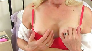 English gilf Lady Sextasy needs sexual release