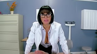 Nurse on heat get thoroughly nailed at the hospital chambers to sincere orgasm