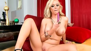 Curly blonde Dylan Riley bangs her slutty shaved hole