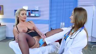 Cogar milf gets naughty with young female docor