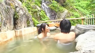 Fucking a Japanese MILF by the pool and making her moan in pleasure