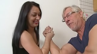 Old stud anal fucking a dashing brunette in the kitchen